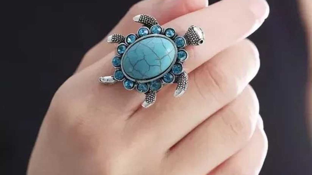 Rules and Benefits of Wearing Tortoise Ring